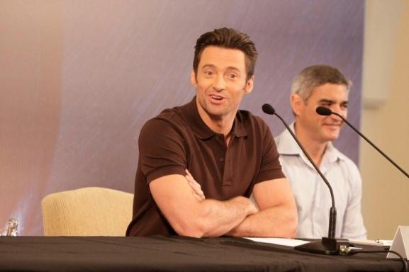Hugh Jackman Divulga 'Wolverine' no Brasil 3685356.gente_hugh_jackman_1gente___fotos_384_577