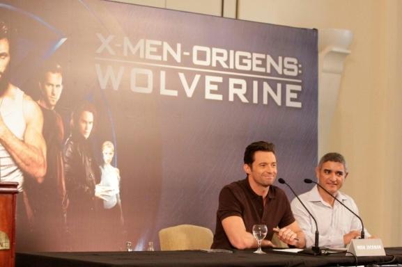 Hugh Jackman Divulga 'Wolverine' no Brasil 3685368.gente_hugh_jackman_1gente___fotos_384_577