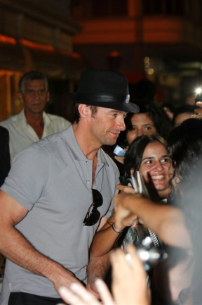 Hugh Jackman Divulga 'Wolverine' no Brasil 3684488.gente_hugh_jackman_1gente___fotos_433_288