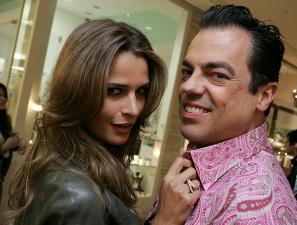 A top Fernanda Motta e o hairstylist Marco Antonio Marco Antonio de Biaggi também estiveram no co...