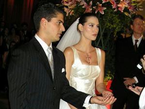 http://gente.ig.com.br/images/478/227/25/390757.gente_lavinia_vlasak_casamento_3gente___nacional_226_299.jpg
